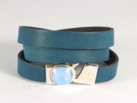 armband met DQ leer in teal blue met swarovski kristal