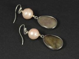 oorbellen lang zilver met rose parel en bruine jade