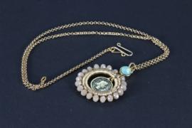 collier goud met hanger met kristal nude kleur en swarovski
