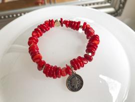 armband rode koraal goud met muntje