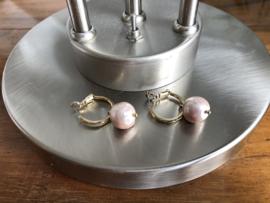 creolen goud met roze shell parel
