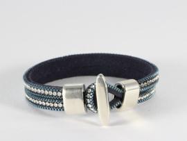 armband met donkerblauwe suède en kristalletjes
