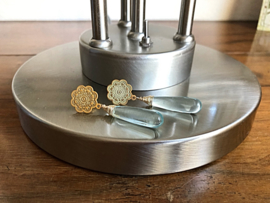 oorbellen XL goud met hydro quartz licht blauw