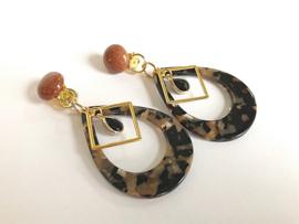 oorbellen lang clips met goudsteen en resin