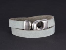 armband licht grijs nubuck leer met zilver haakslot