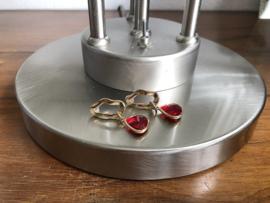 oorbellen goud met rood facet glas