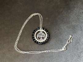 collier zilver met medaillon met facet onyx