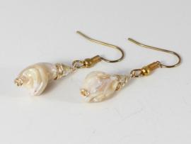 oorbellen  goud met parelmoer