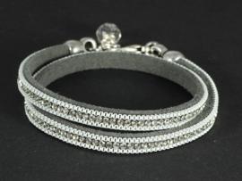 armband dubbel suède met bergkristal.
