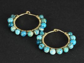 oorbellen creolen 14 krt goldfill met blauwe imperial jaspis