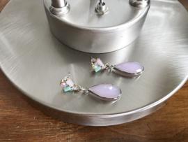 oorbellen zilver met facet roze glas hanger