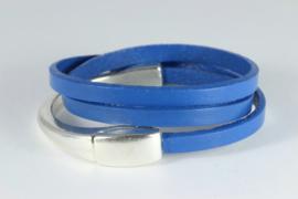 armband met driedubbel blauw leer met magneetslot