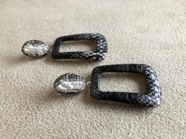 oorbellen lang met parel en slangenprint hangers