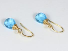 oorbellen goud met blauwe topaas brioletten