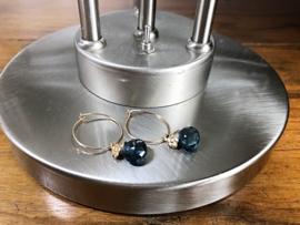 oorbellen creolen goud met hydro quartz druppel en vlinder