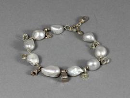 armband met grote zilveren parels