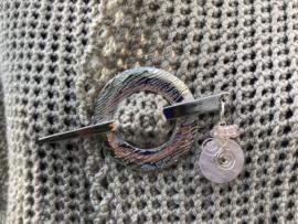 sjaalspeld met edelsteen rozenkwarts