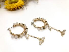 oorbellen goud creolen met jade en vlinder