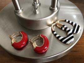oorbellen XL duo creolen rood en zwart wit hangers