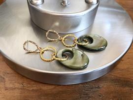 oorbellen XL verguld met parelmoer lindegroen