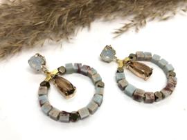 oorbellen licht blauw met swarovski opaliet en jaspis