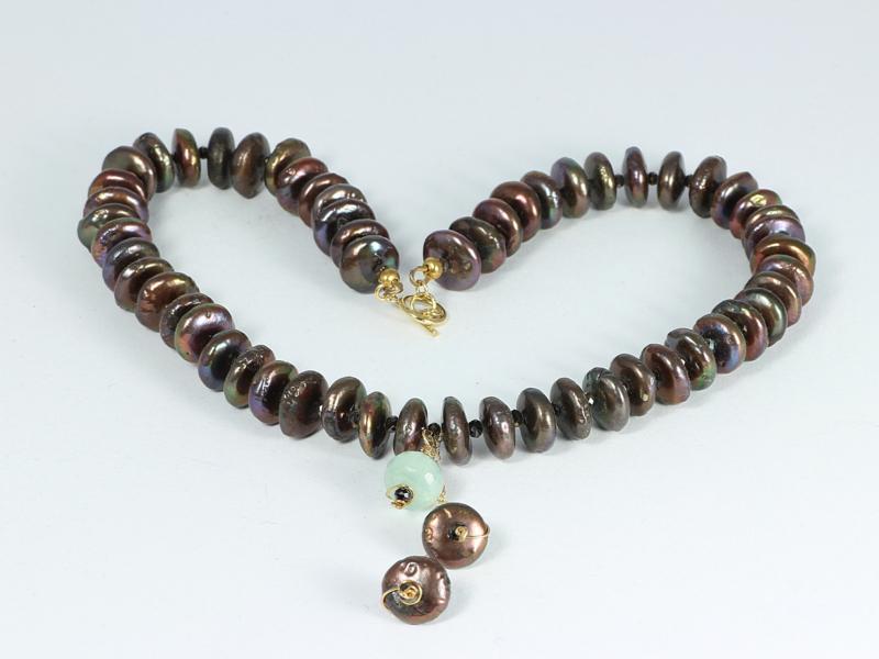 collier kort goud met bruine parel rondellen en aquamarijn