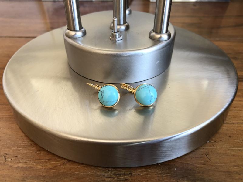 oorbellen verguld met turquoise howliet