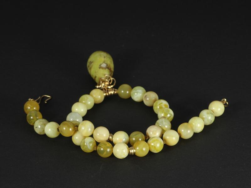 collier kort met gele natuurlijke opaal