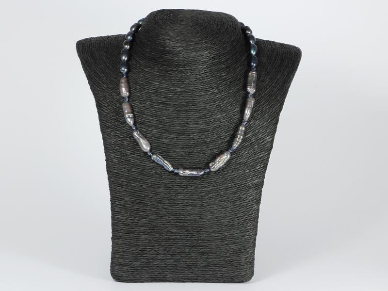 collier grijze biwaparels