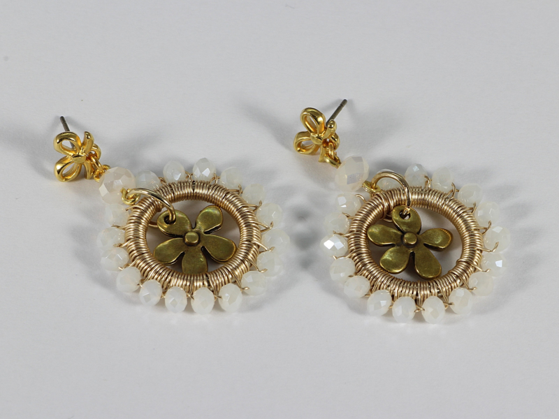 oorbellen goud met sneeuwwit kristal
