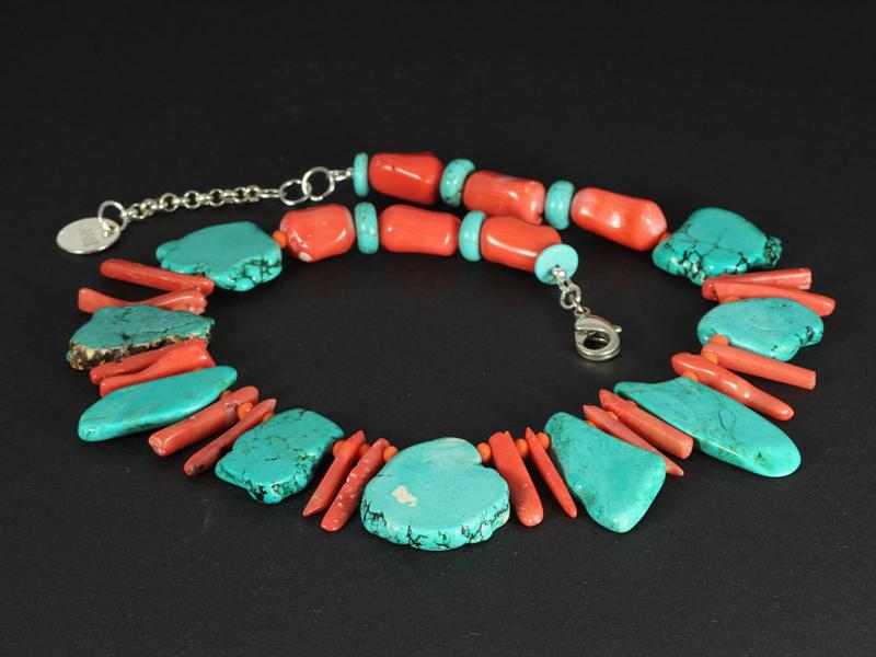 collier blauw met koraal