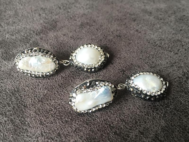 oorbellen oorstekers zilver met  natuurlijke parels en kristal