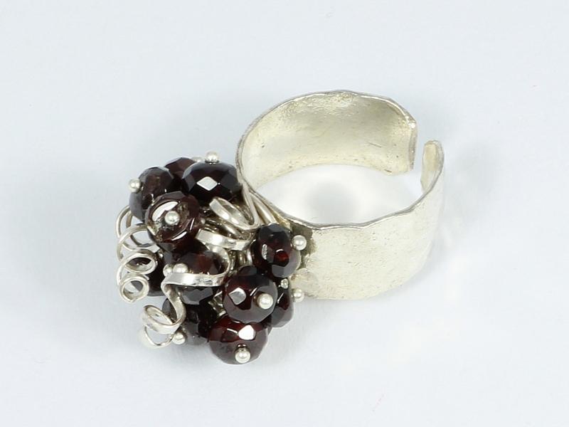 ring zilver  met granaat