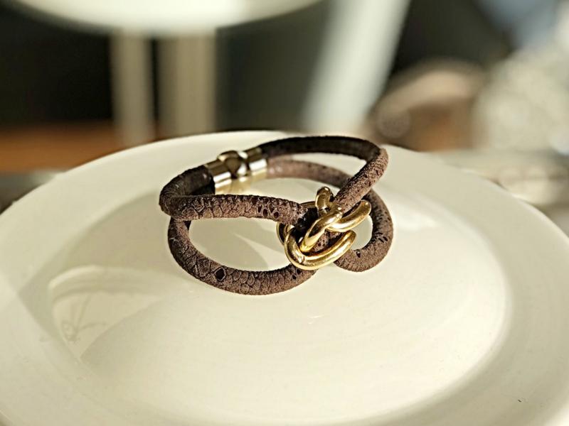 set armbanden bruin goud
