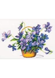 Borduurpakket Kruissteek | Mand met viooltjes (Violet Profusion - RTO)