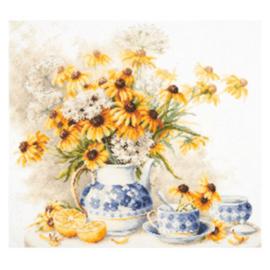 Borduurpakket Kruissteek   Thee en bloemen (Chudo Igla - Magic Needle)