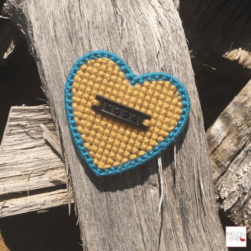 Borduurpakket Mini | Hartje Hope (oker en turkoois)