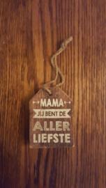 Hanger mama je bent de allerliefste