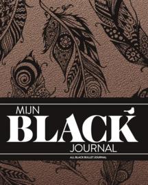 Mijn Black Dotted Journal-Bohemian Feather  + 1 Sakura Gelly Roll Gelpen Wit