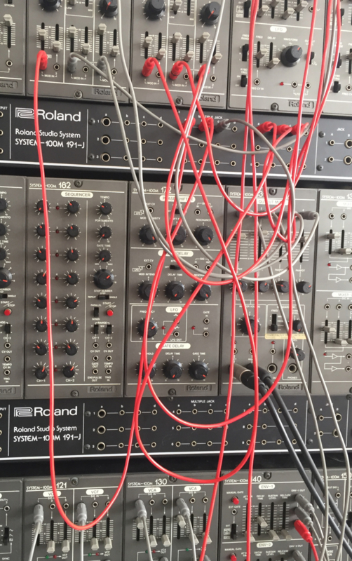 Introduction in analog modular synthesizers systems