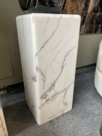 Pillar Marble Look White Medium