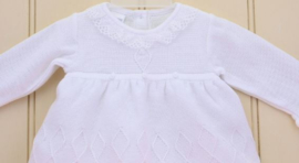 Jurkje luxe wit fijngebreid Laura  0-3 mnd