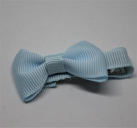 Strikje op clip 4cm lichtblauw