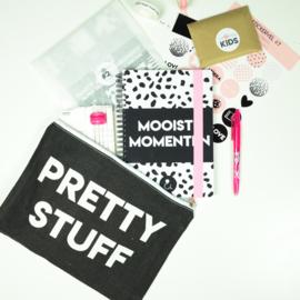 Etuis' Pretty stuff' - monochrome