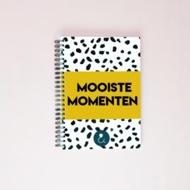 Mooiste Momenten boek (A5) - okergeel