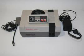 Nintendo Nes + 1 controller