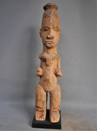 "Big, old, heavy ""beggar's statue"", IBO tribe, Nigeria, approx. 1950"