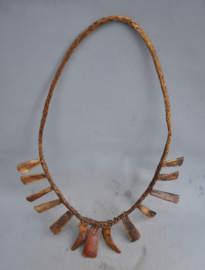 Necklace with animal bone parts v.e. karbau, Ifugao, late 20th century