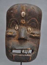 Zeer oud, intensief gebruikt dansmasker, KRAN, Liberia, ca.1930