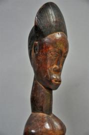 Oud en bijzonder beeld van de BAULE stam, Ivoorkust, midden 20e eeuw